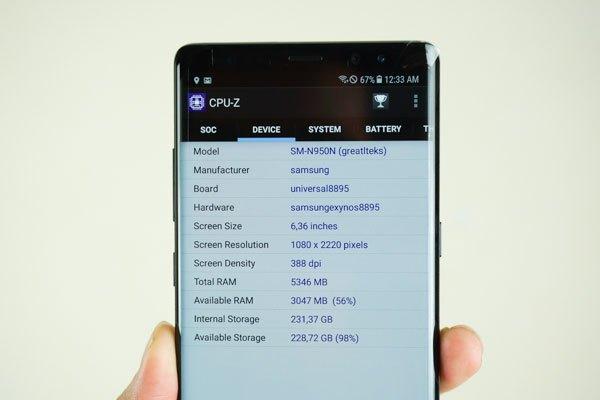 Chiếc Galaxy Note 8 này mang số hiệu SM-N950N cùng màn hình kích thước lên đến 6,3 inch, RAM 6 GB cùng bộ nhớ trong 256 GB.