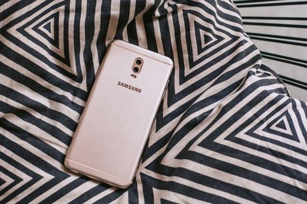 Galaxy J7 Plus mang đến người dùng trải nghiệm chụp ảnh chất lượng tối ưu nhờ cụm camera kép xu hướng và camera selfie 16 MP