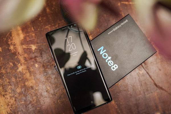 Phiên bản màu tím khói của Galaxy Note 8 sẽ được bán ra vào ngày 27/1 này với giá không đổi 22.490.000 đồng.