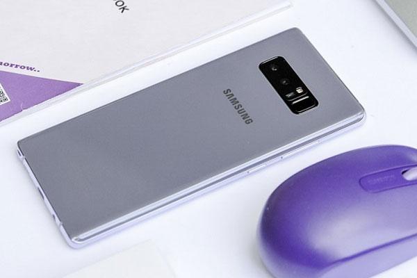 Chiếc điện thoại cao cấp này sẽ được Samsung bán ra vào cuối tháng 1 với mức giá không đổi