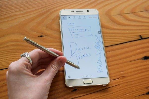 Thiết kế tinh tế hơn, tính năng cải tiến vượt trội hơn trên phiên bản S-pen đời thứ 4 của điện thoại Note 4