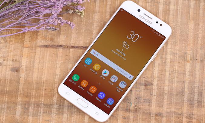 Samsung Galaxy J7+ Vàng (SM-C710F/DS) thiết kế sang trọng