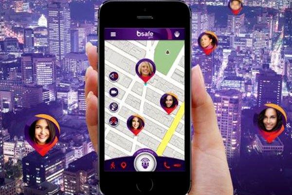Với ừng dụng bSafe trên điện thoại, người thân sẽ luôn nắm được vị trí của bạn, tránh tình huống xấu xảy ra khi đi một mình vào buổi tối