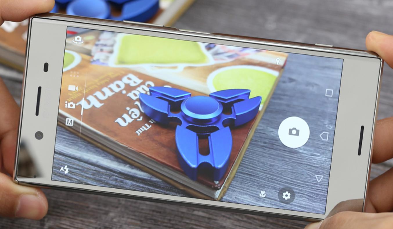 Điện thoạiSony Xperia XZ Premium màu chrome cực sắc nét