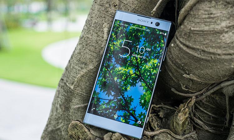 Viền trên và viền dưới của điện thoại được tối giản tạo trải nghiệm thị giác tốt hơn cho người dùng