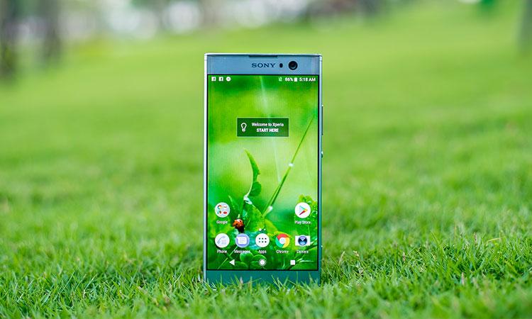 Màn hình sắc nét, sống động đến khó tin trên một chiếc điện thoại tầm trung