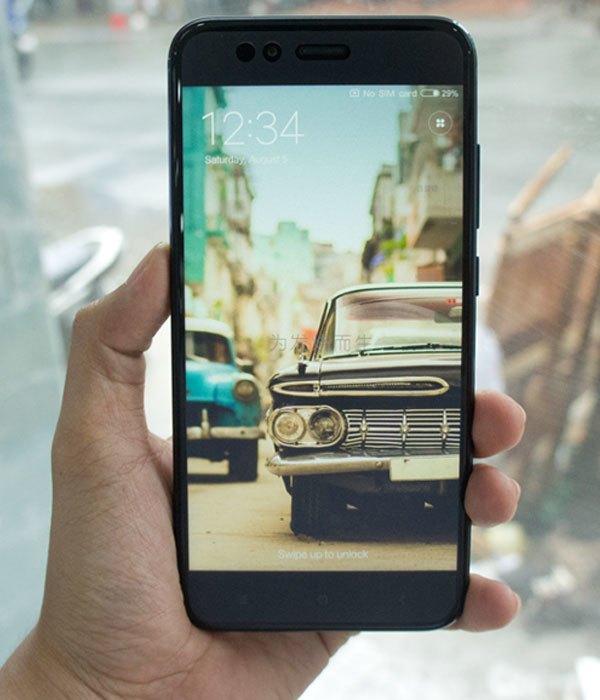 """Camera selfie của điện thoại Xiaomi Mi 5X dư sức mang đến bạn những tấm ảnh tự sướng """"vi diệu"""""""