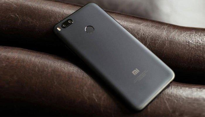 Mặt lưng Xiaomi Mi 5X trang bị cảm biến vân tay