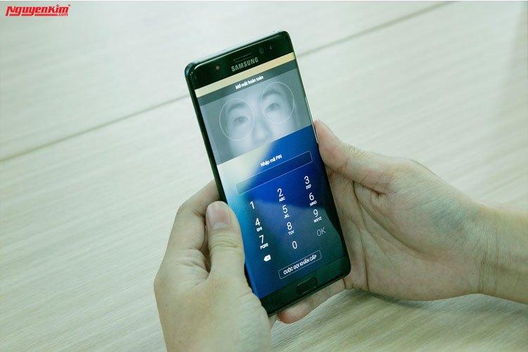 Điện thoại Samsung Galaxy Note 7 mở khóa bằng mống mắt nhanh