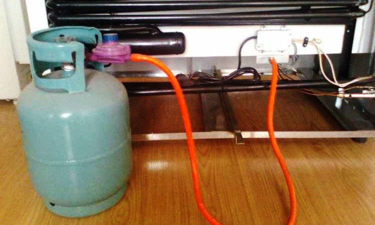 Nạp gas định kỳ để tủ lạnh hoạt động tốt hơn