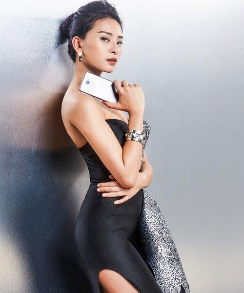 Ngô Thanh Vân sành điệu cùng điện thoại ASUS ZenFone 3 Max 5.5'