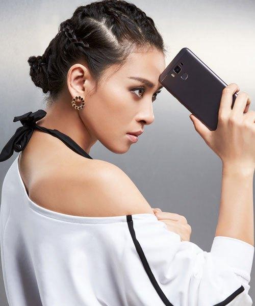 """Điện thoại ASUS ZenFone 3 Max 5.5' còn mang cảm biến vân tay siêu nhạy, mở khóa chỉ trong 0.3 giây đúng với thần thái """"sắc bén"""" của Ngô Thanh Vân"""