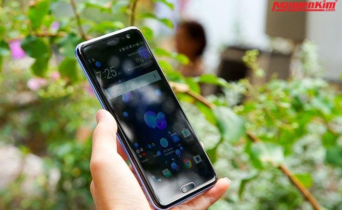 Camea sau điện thoại HTC U11 độ phân giải 12MP chụp hình tốt