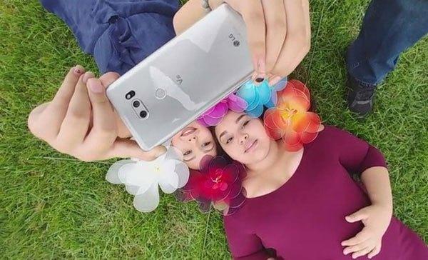 """Dường như """"tất tần tật"""" mọi thứ có liên quan đến chiếc điện thoại LG V30 đã được tiết lộ qua các video được đăng tải"""
