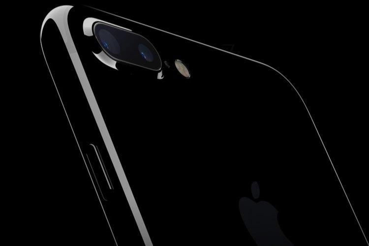 Điện thoại iPhone 7 và 7 Plus với màu black và jet black hoàn toàn mới