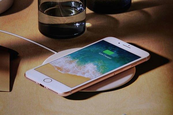 iPhone 8 có sạc không dây chuẩn Qi