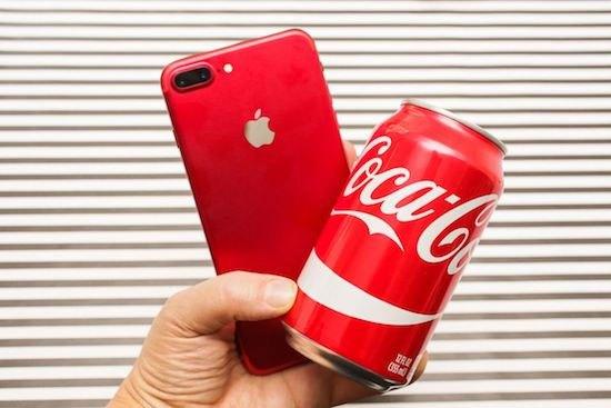 Đọ dáng với Coca iPhone 7 màu đỏ vẫn đẹp như thường