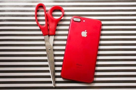 Kéo và iPhone 7 màu sắc như nhau