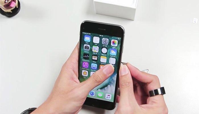 B1: Kết nối WiFi trên iPhone lock -> lắp Sim + Sim ghép vào máy -> màn hình active sẽ tự động mở.