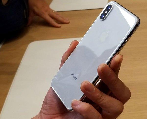 Những tấm ảnh đỉnh cao sẽ được tạo ra dễ dàng nhờ cụm camera kép 12 MP của chiếc điện thoại kỷ niệm 10 năm nhà Apple - iPhone X