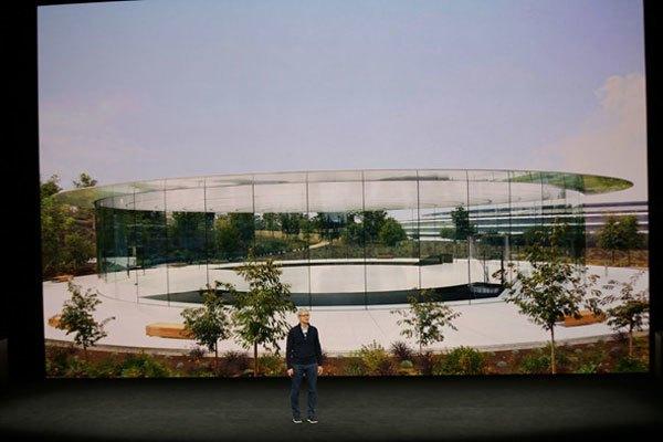 Tim Cook giới thiệu Apple Park