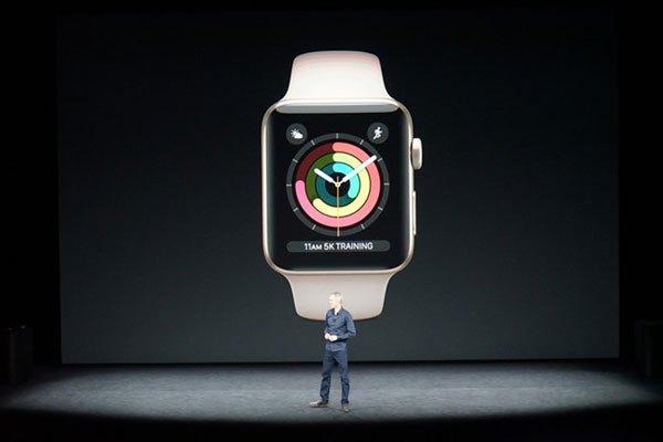Tim Cook giới thiệu về Apple Watch
