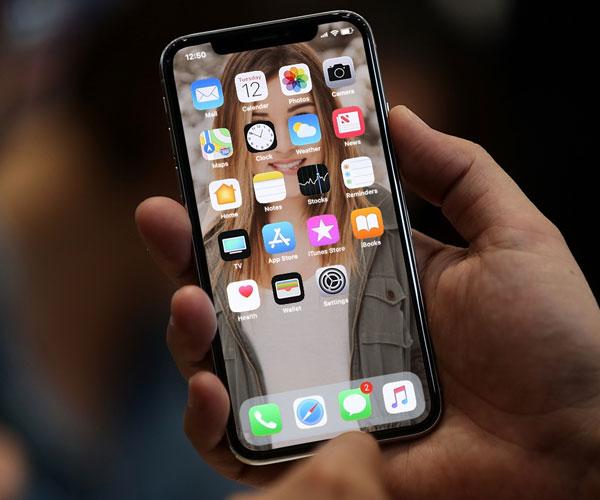 iPhone X loại bỏ nút Home cứng cho màn hình điện thoại rộng hơn