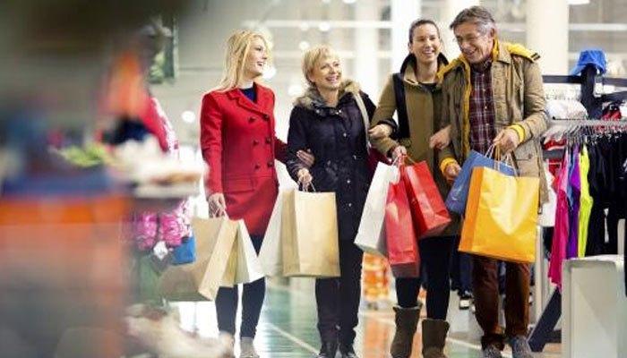 Lựa chọn trang phục khi mua hàng trong dịp Black Friday