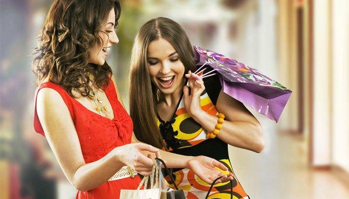 Hãy rủ bạn bè đi mua sắm dịp Black Friday