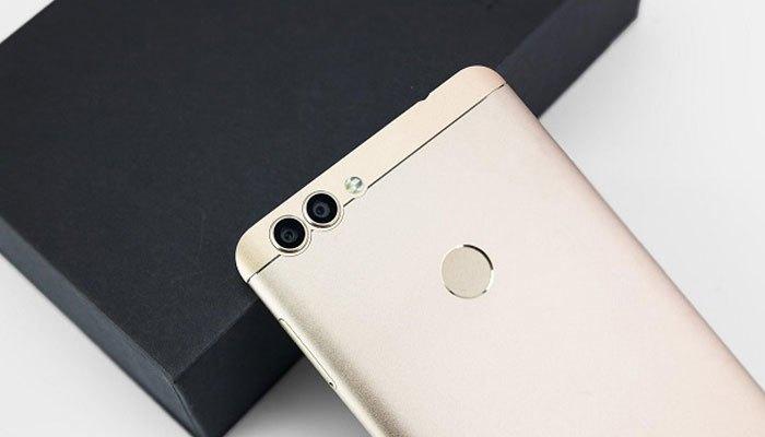 Điện thoại BluBoo có camera kép