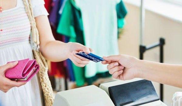 Thanh toán qua thẻ ngày càng tiện ích hơn được người tiêu dùng ưa chuộng