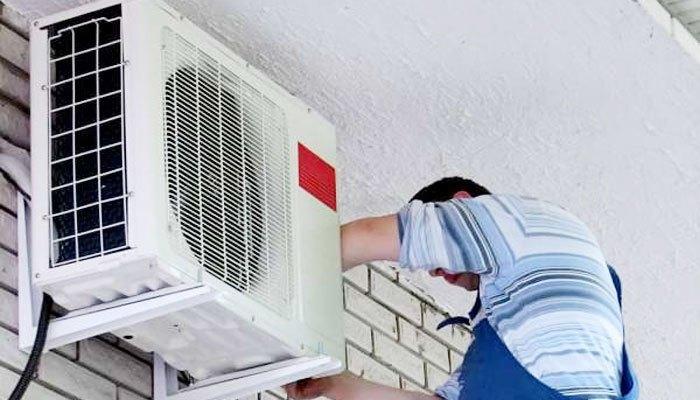 Hãy ngắt điện trước khi vệ sinh dàn nóng máy lạnh