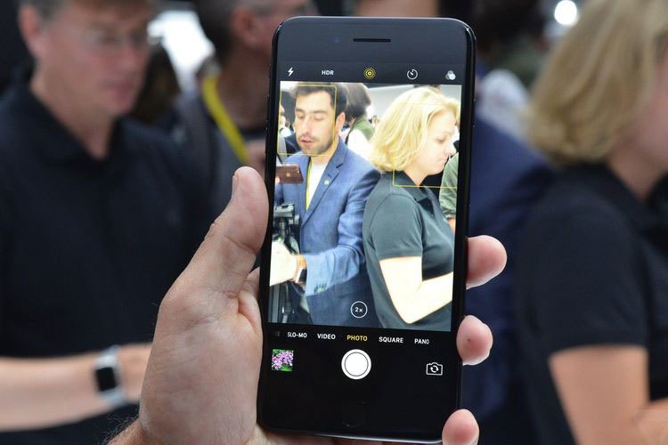 iPhone 7 Plus được trang bị camera kép 12MP