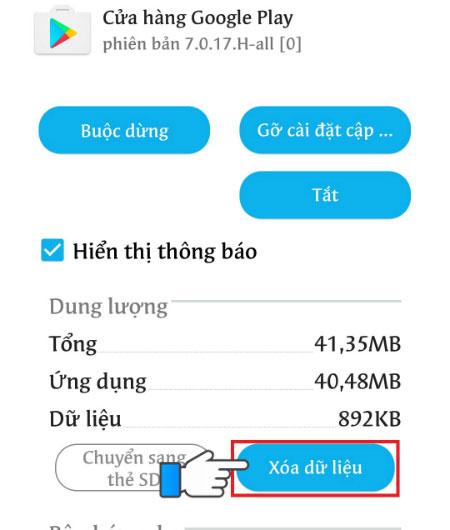 Bạn nhấn chọn Xóa dữ liệu rồi truy cập lại CH Play để tải ứng dụng.