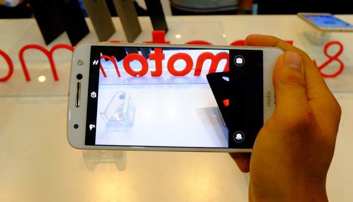 Điện thoại Moto Z thiết kế bóng bẩy, chắc tay