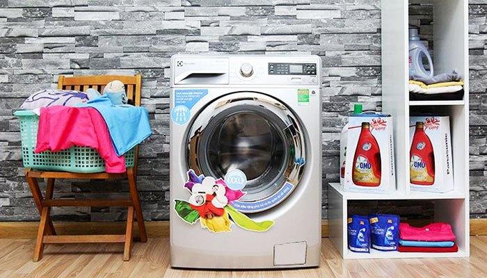 Máy giặt Electrolux 7 KG EWF12732 giúp bạn giặt đồ nhanh chóng với 12 chương trình giặt đa dạng