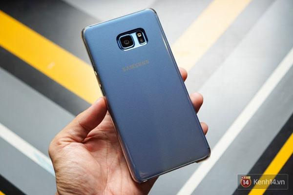 """Được biết, Galaxy Note FE sẽ chính thức """"lên kệ"""" tại thị trường Việt Nam vào ngày 25/11 tới với mức giá 13.990.000 đồng."""