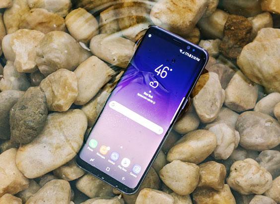 Galaxy S8/S8+ thách thức thời tiết, luôn đồng hành bên bạn