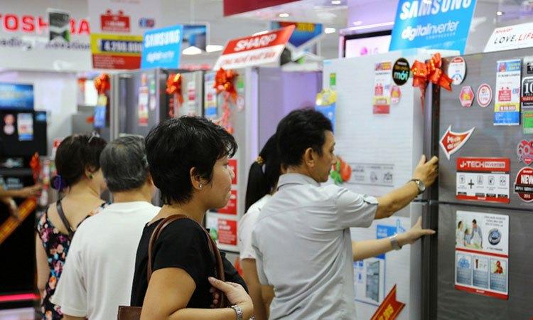 Mùa mua sắm cuối năm sắp bắt đầu tại Nguyễn Kim