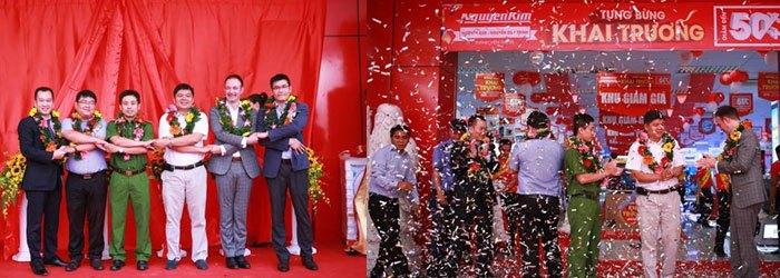 Các đối tác và chính quyền địa phương đến chia vui cùng Nguyễn Kim