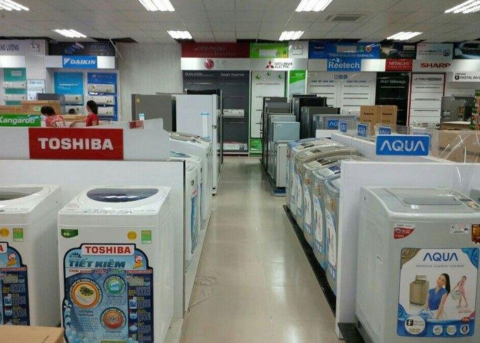 Và chia theo thương hiệu để khách hàng dễ mua sắm tại Nguyễn Kim