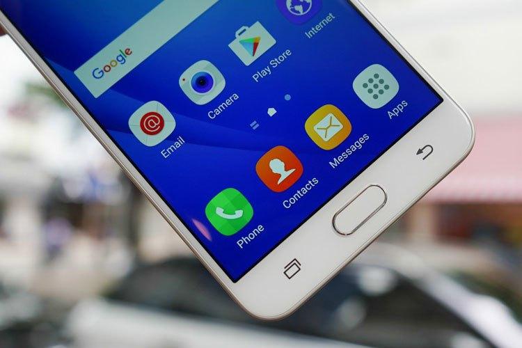 Điện thoại Samsung Galaxy J7 Prime trang bị cảm biến vân tay