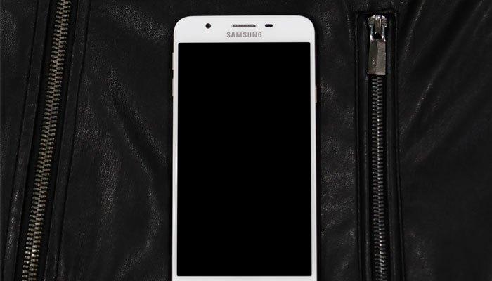 """Không chỉ mang vẻ ngoài """"kiệt suất"""", cấu hình của điện thoại Samsung còn """"đậm khí chất"""""""