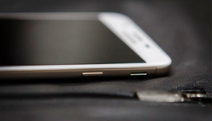 Điện thoại Samsung luôn gây bất ngờ với vẻ ngoài thời thượng