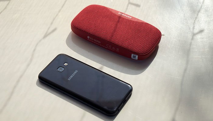 Điện thoại Galaxy A3 2017 cảm biến vân tay siêu nhạy