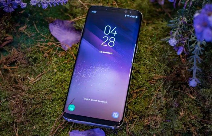 Điện thoại Galaxy S8 và S8 Plus được trang bị màn hình vô cực