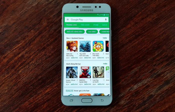 Galaxy J7+ hiển thị hình ảnh sắc nét, chân thật