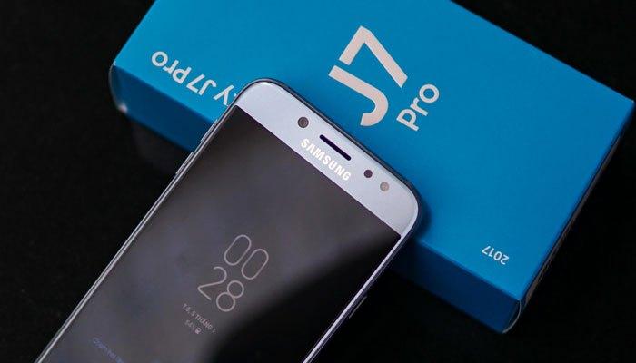 Màn hình gây ấn tượng mạnh với mặt kính cong 2.5D cùng kích thước lớn, cho bạn trải nghiệm hình ảnh tối ưu trên chiếc điện thoại Galaxy J7 Pro