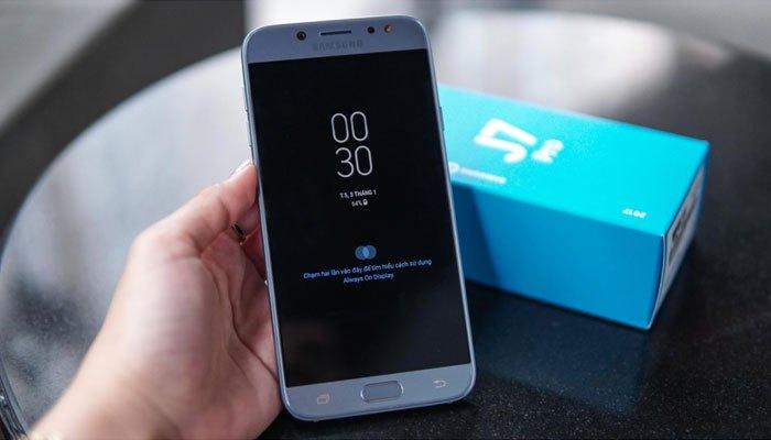 Tính năngAlways On từ Flagship cao cấp Galaxy S8 đã có mặt trên điện thoại Galaxy J7 Pro