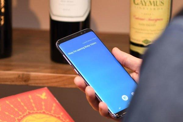 Trợ lý Bixby giúp điện thoại Galaxy S8 trở nên thông minh hơn